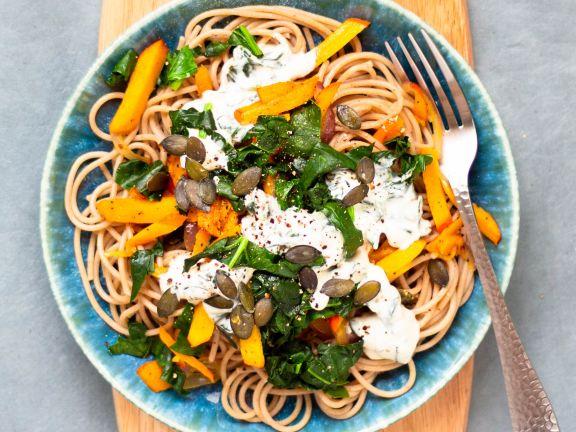 Spaghetti mit Kürbis und Spinat-Ziegenfrischkäse-Sauce