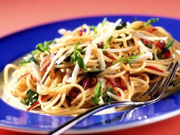 Spaghetti mit Rucola und Käse
