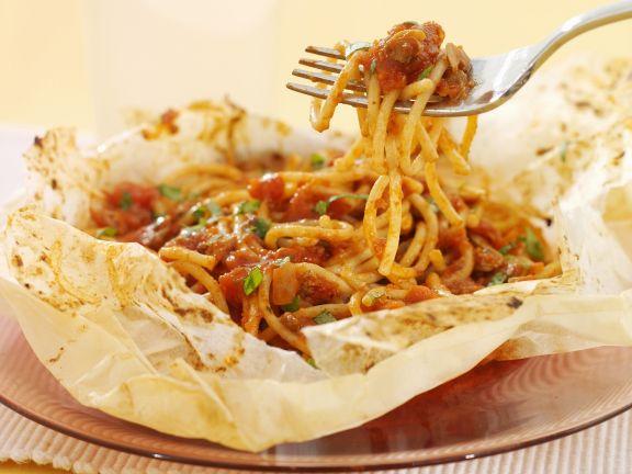 Spaghetti mit Tomatensoße aus dem Ofen