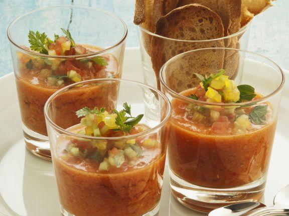Kalte spanische Gemüsesuppe (Gazpacho)