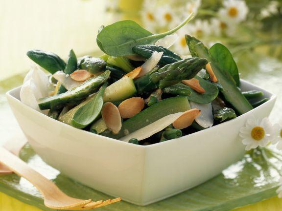 Spargel-Bohnensalat mit Mandeln