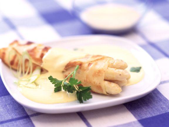 Spargel-Crêpes mit Sauce Hollandaise