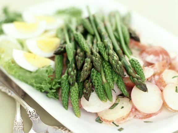 Spargel mit Kartoffelsalat