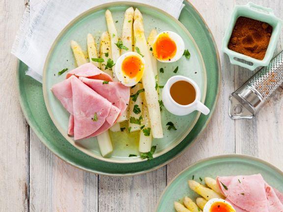 Spargel mit Schinken und Ei