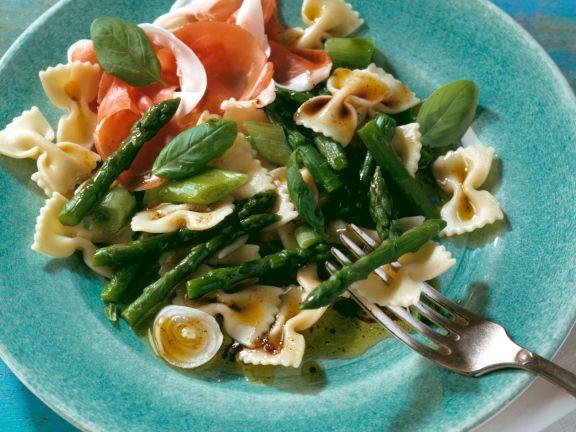Spargel-Nudel-Salat mit Schinken