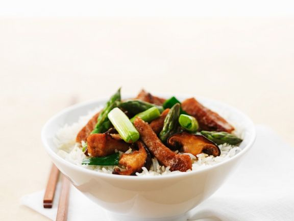 Spargel-Reis mit Pilzen