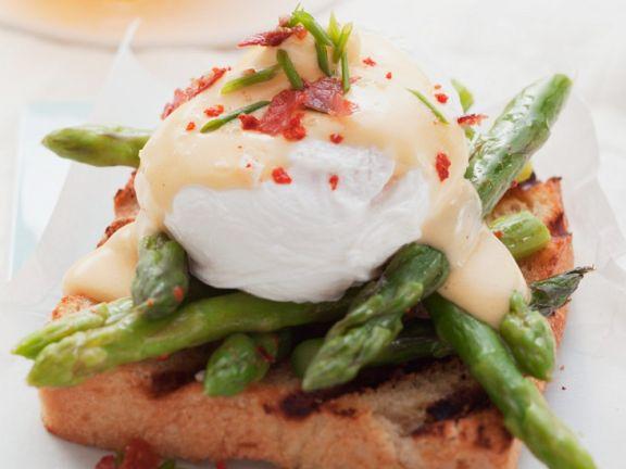 Spargel-Toast mit Ei