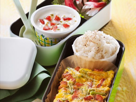 Speck-Tortilla, Reis und Erdbeerquark