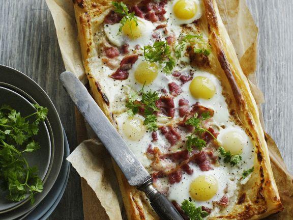 Speckkuchen mit Ei