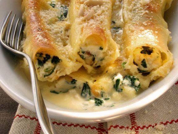 Spinat-Cannelloni mit Pinienkernen