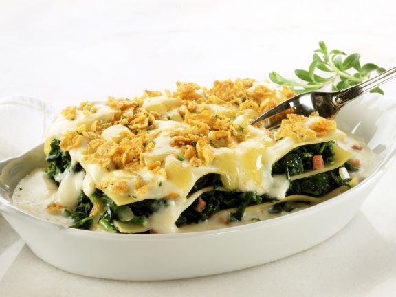 Spinat-Lasagne mit Schinken und Cornflakes-Käse-Kruste
