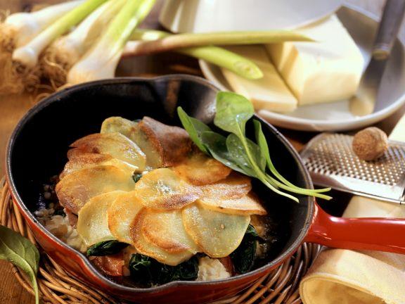 Spinat mit Hüttenkäse und Kartoffelhaube