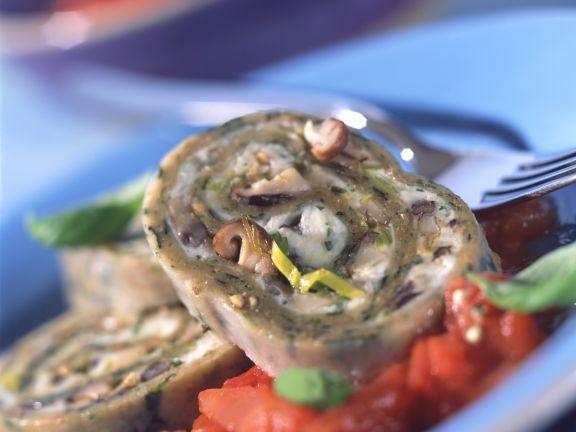 Spinat-Nudelroulade mit Pilzfüllung