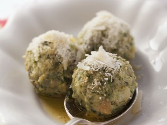 Spinatklöße mit Parmesan-Butter