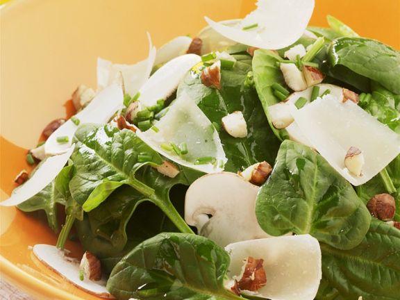 Spinatsalat mit Champignons