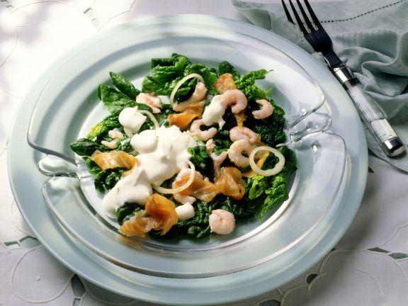 Spinatsalat mit Lachs und Krabben