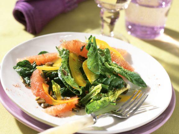 Spinatsalat mit rosa Grapefruit