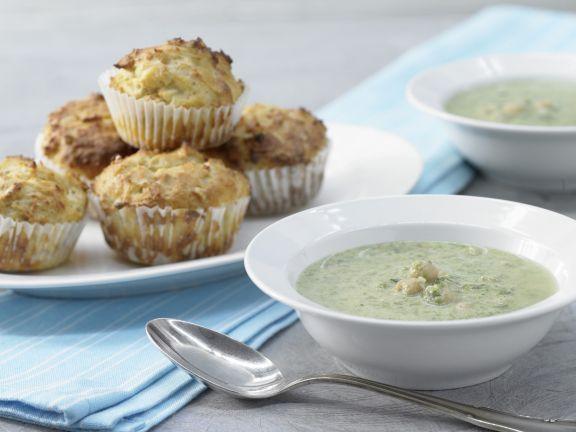 Spinatsuppe mit Muffins