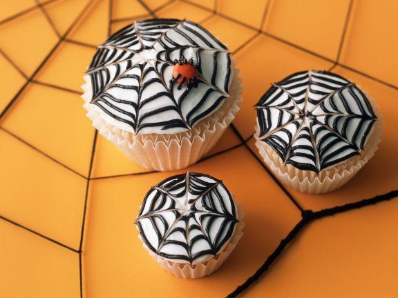Spinnennetz-Cupcakes für Halloween