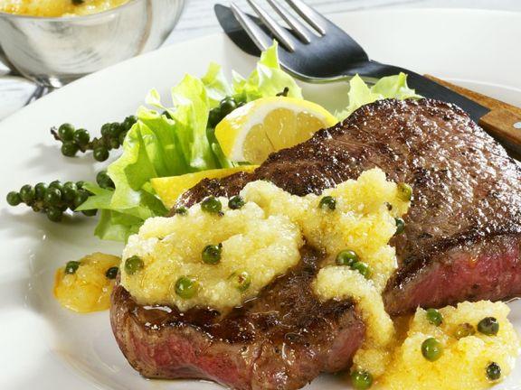 Steak mit fruchtiger Sauce