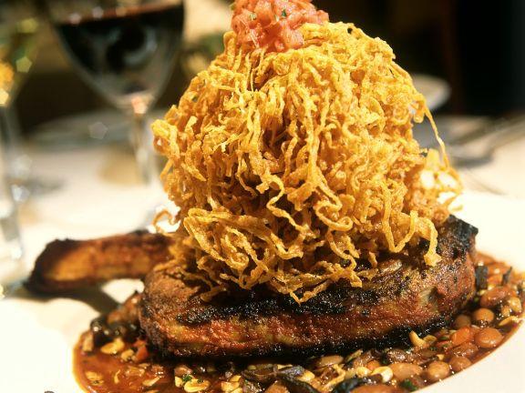 Steak mit Kartoffelstroh