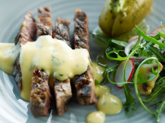 Steak vom Grill mit Bearnaise