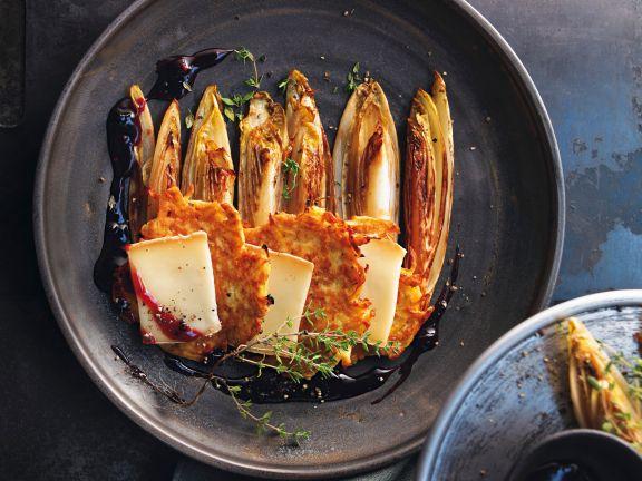 Steckrüben-Rösti mit Taleggio und Chicorée