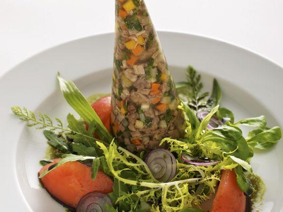Sülze mit Tafelspitz dazu Blattsalat mit Kernöldressing