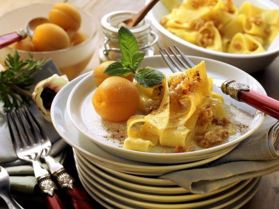 Süße Nudeln mit Aprikosen