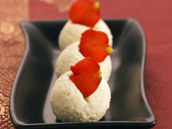 Süße Teigtaschen auf indische Art