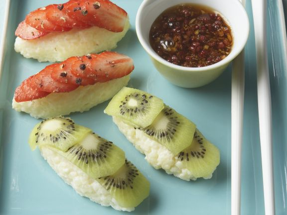 Süßes Sushi mit Obst