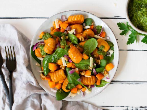 Süßkartoffel-Gnocchi mit Kräuter-Pesto