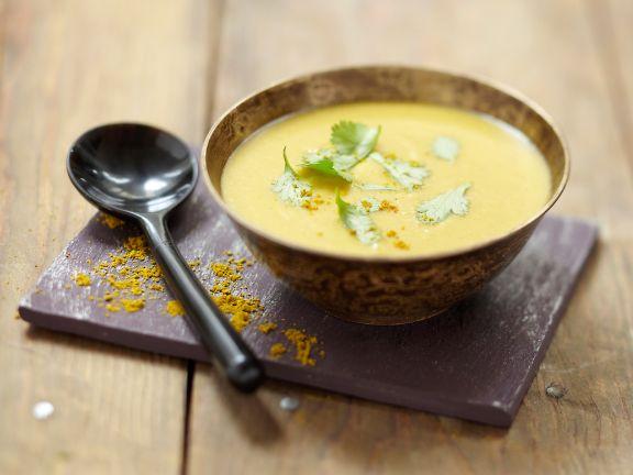 Suppe aus roten Linsen