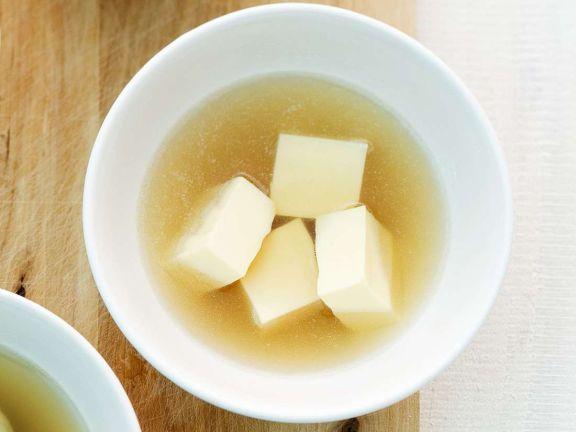 Suppe mit Eierstich