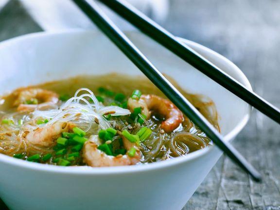 Suppe mit Shrimps und Glasnudeln