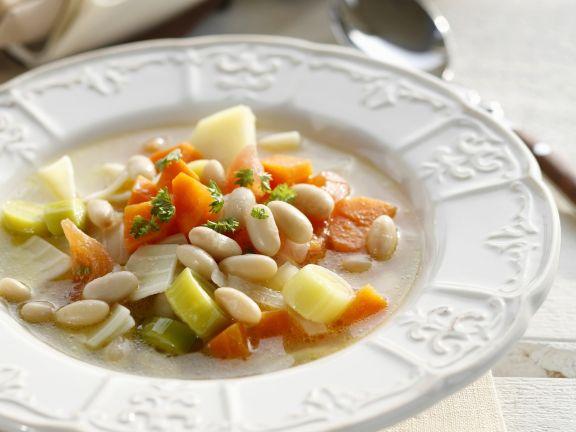 Suppe mit weißen Bohnen
