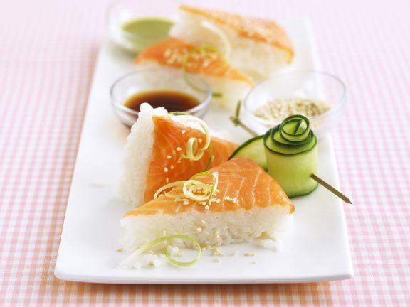 Sushi-Ecken mit Lachs