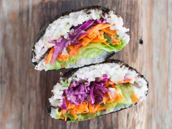 Sushi-Sandwich mit eingelegtem Gemüse