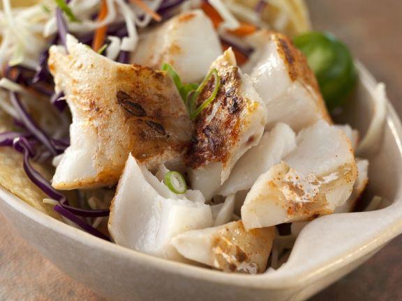 Taco mit Fisch und Krautsalat