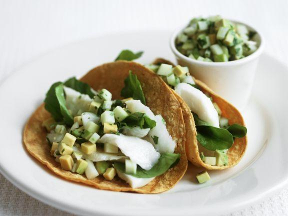 Tacos mit Avocado und mariniertem Steinbutt nach chilenischer Art