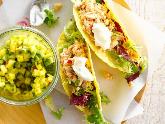 Tacos mit Thunfisch und Avocadosalat