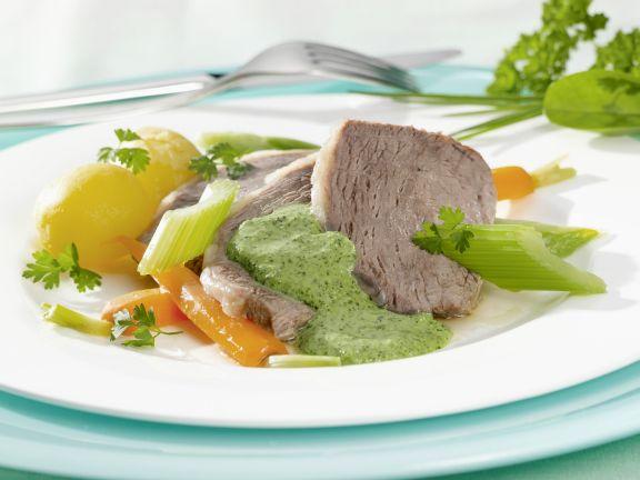 Tafelspitz mit Gemüse und Kräutersoße