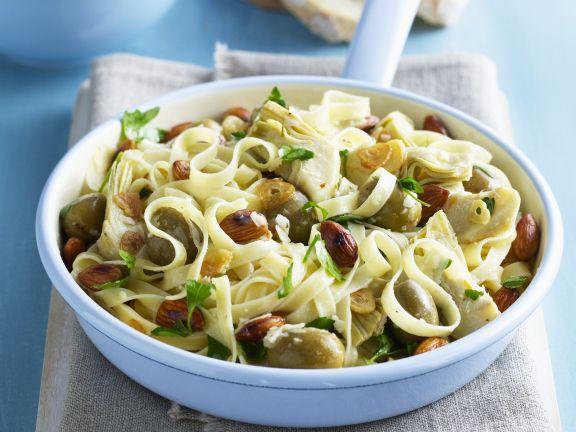 Tagliatelle mit Artischocken und Oliven
