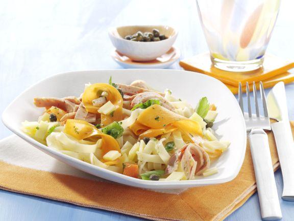 Tagliatelle mit Gemüse-Putenwurst-Mix