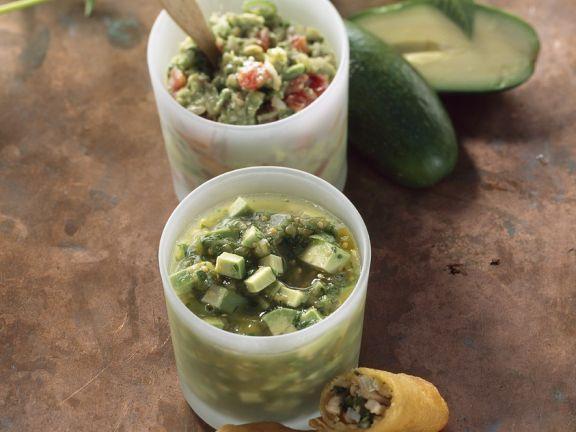 Taquitos mit Avocadodip und Tomatillodip