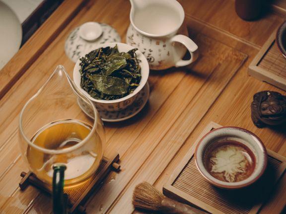 Kalter roter Tee dient zum Abnehmen