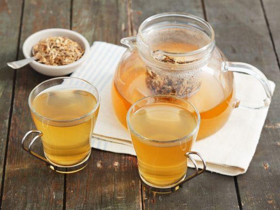 Tee aus der Queckenwurzel