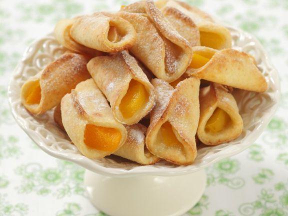 Teigtäschen mit Pfirsichfüllung