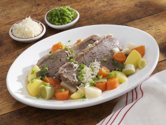 Tellerfleisch mit Meerrettich und Gemüse