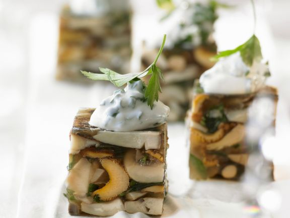 Terrine mit Pilzen